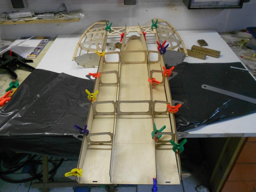 Construction bois d' un Hydroplane au 1/8 ème